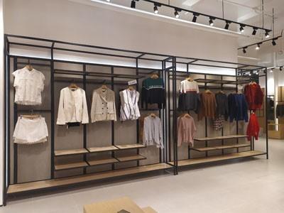 服装展柜对门店所起到的四大作用