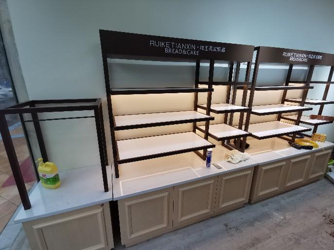 蛋糕展示柜的挑选与市场作用