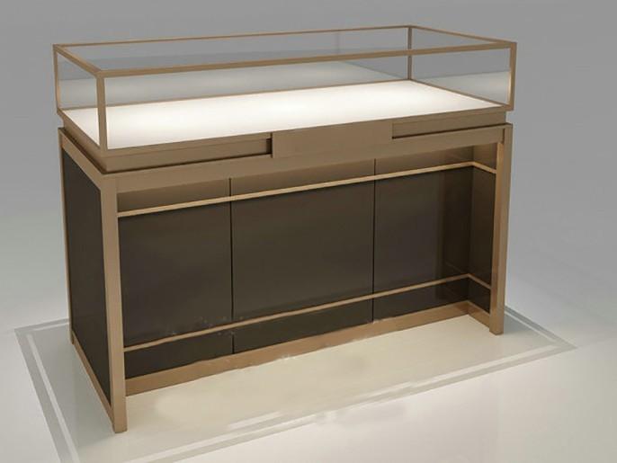 玻璃展示柜要用心保养